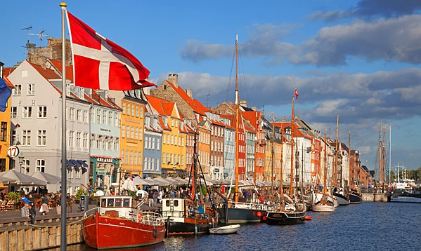 Denmark_Copenhagen_docks