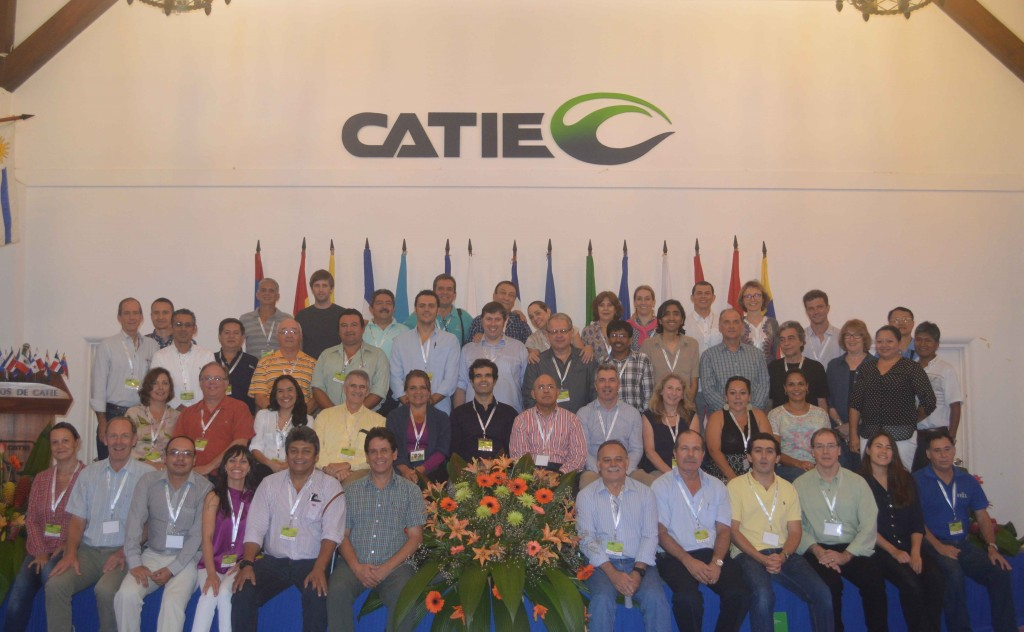 CATIE's first meeting of the Latin-American cacao breeders and celebration of the 70th anniversary of CATIE´s International Cacao Genebank. Turrialba, October 2014.